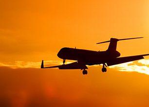 Novinky v KLM: Vyzkoušejte si cestovaná v business class, poznejte novou členku týmu s umělou inteligencí a nebo zjistěte, jak funguje nový jídelní servis!
