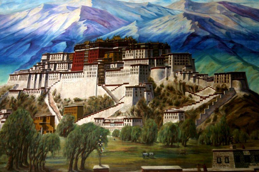 Potála – ekvivalent tohoto chrámu ve Lhase, Indie
