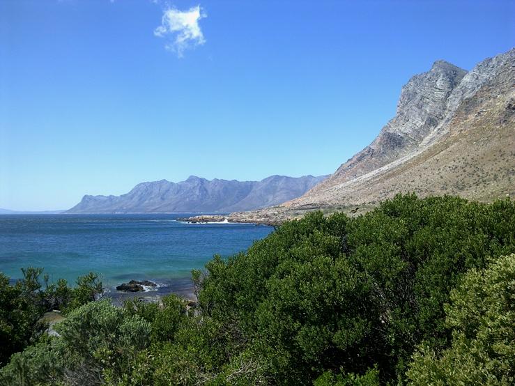 Pobřeží nedaleko Cape Town
