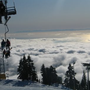 Stařičká lanovka Sky Chair na Cypress Mountain
