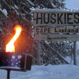 Příjezdová cesta k husky farmě, Laponsko, Finsko