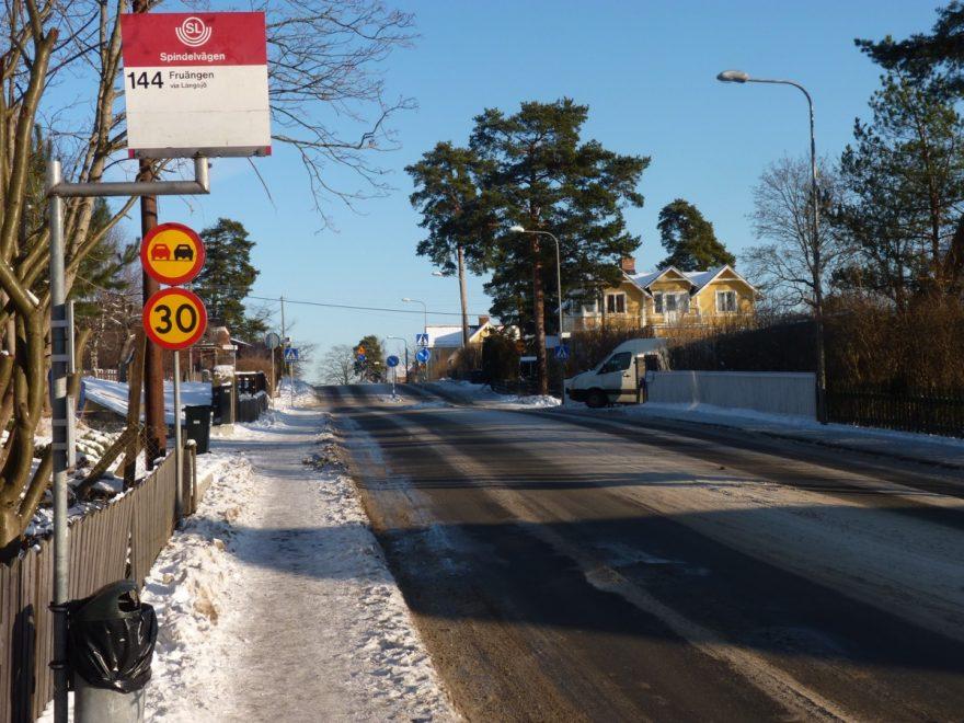 Autobusové zastávky jsou přehledně značené, Stockholm, Švédsko