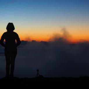 Západ Slunce nad mraky, Big Island, Hawaii